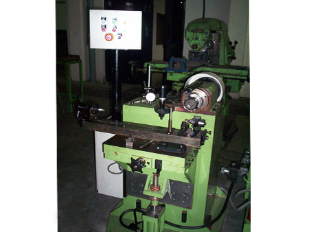 Woodruf Keyway Milling Machine